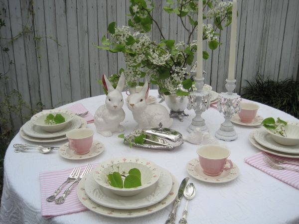 Opulent cottage easter tablescape practice run for Dining room tablescapes ideas
