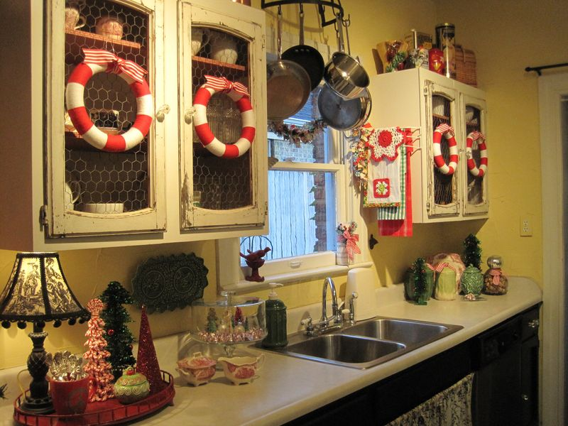 Chicken Themed Kitchen opulent cottage: christmas vignette party at southern hospitality