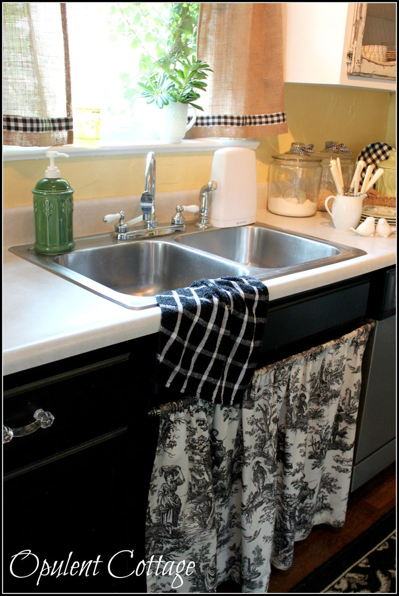 Opulent Cottage Early Fall Kitchen 08