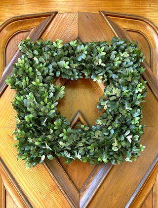 English Boxwwod Wreath