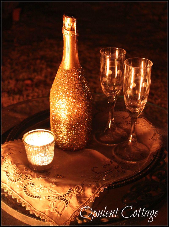 Opulent Cottage Glitter Champagne