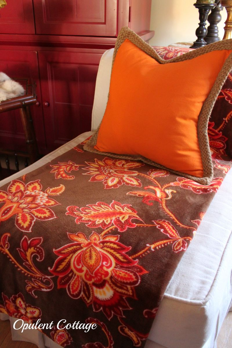 Opulent Cottage fall throw