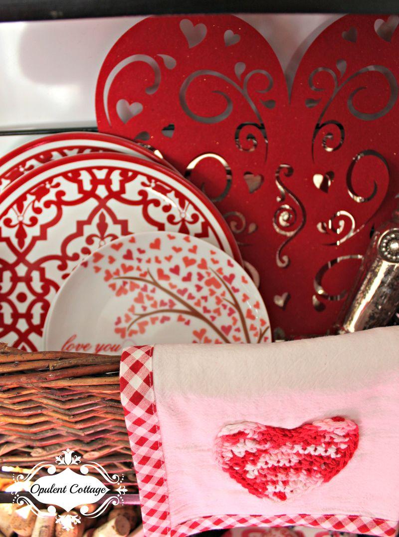 Opulent Cottage Plate Basket