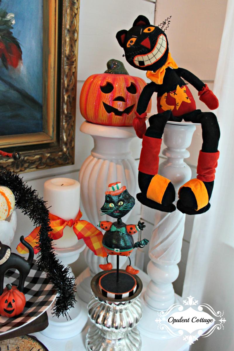 Opulent Cottage Vintage Halloween Cats