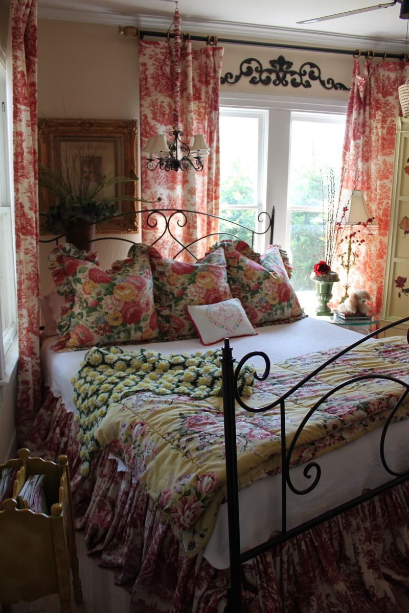 Opulent Cottage Toile Bedroom