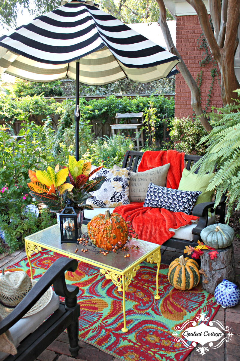 Opulent Cottage Fall Decor on the Patio